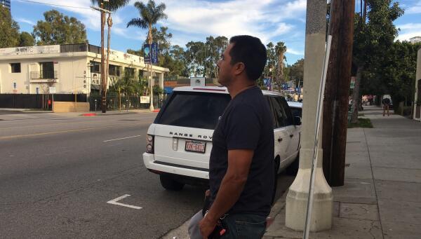 Pedro, un inmigrante mexicano que se legalizó poco antes de que Donald T...