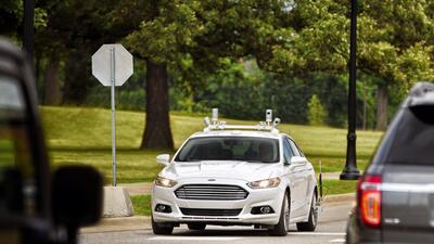 Ford ha estado probando un Fusion autónomo en las calles de Palo Alto en...