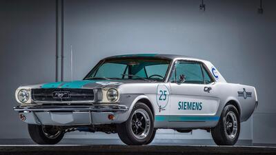 Siemens prepara un Ford Mustang clásico de manejo autónomo
