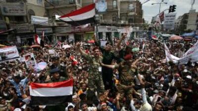 Las presiones para que el presidente de Yemen renuncie a su cargo son ca...
