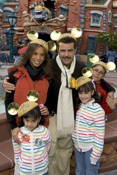 Bibi Gaytán y familia