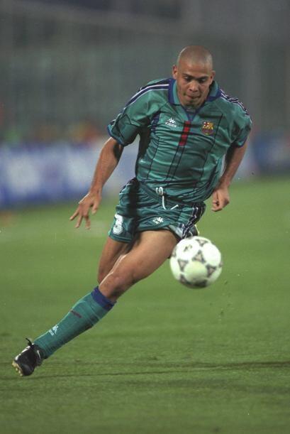 El brasileño quien militó en el PSV, Barcelona, Inter de M...