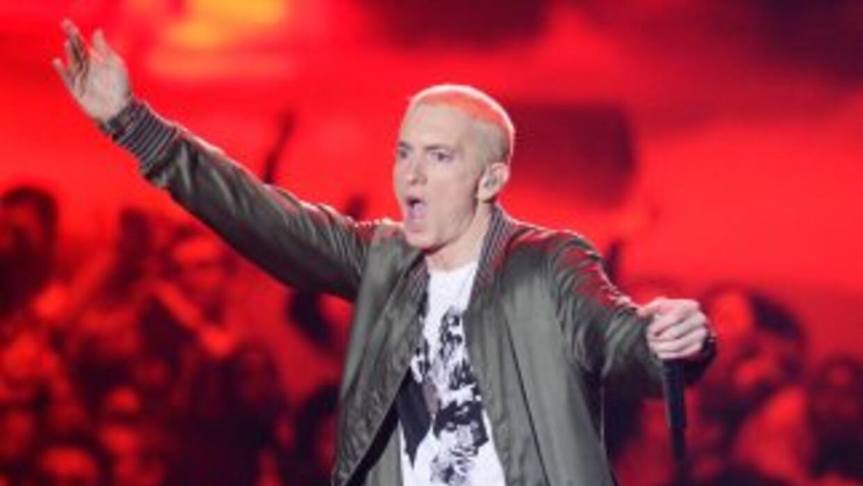 Eminem participa en esta polémica cinta, en la que responde forma polémi...