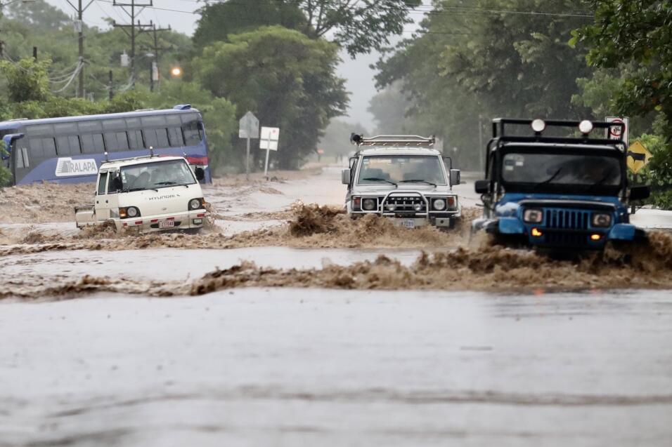 La tormenta tropical Nate causa 22 muertos en Centroamérica, mientras av...