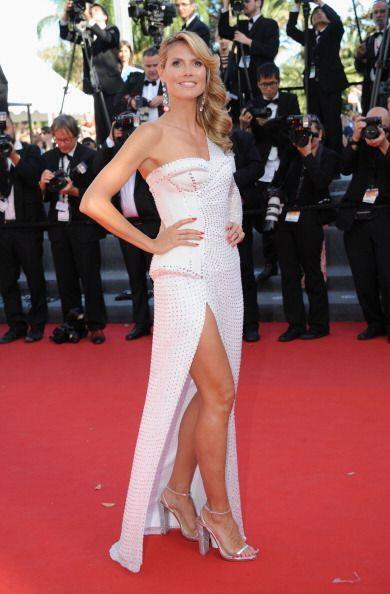 Bonitas y kilompétircas resultan ser las piernas de Heidi Klum, quien ro...