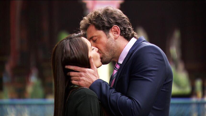 Adriana Louvier tuvo mucho amor en Yo No Creo En Los Hombres  83C3BAB84E...