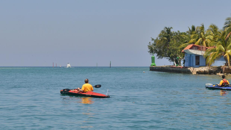 Peter Crowley saliendo de Cuba en su primer intento por llegar hasta Key...