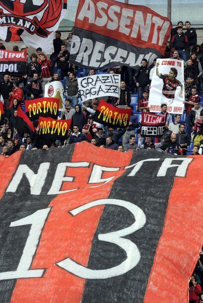 Alessandro Nesta también cumple un largo ciclo con los 'rossoneri'. Se d...