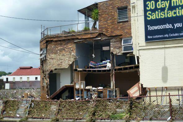 Las autoridades estimanque se han afectado 20,000 viviendas, completamen...