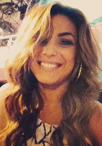 Rosina tiene una sonrisa que nos enamora y nos hace sentir en el cielo.