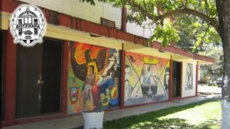 En la Escuela Normal Rural de Ayotzinapa estudiaron Lucio Cabañas Barrie...