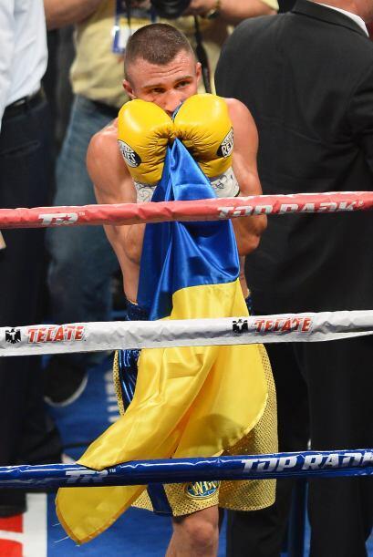 Lomachenko debutó ganando un cinturón y ya se habla de una pelea por el...