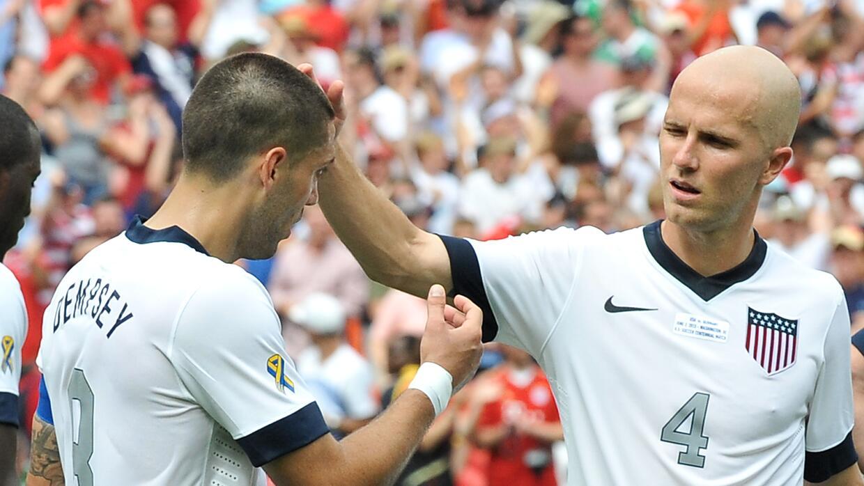 Clint Dempsey y Michael Bradley con la selección de EE.UU.