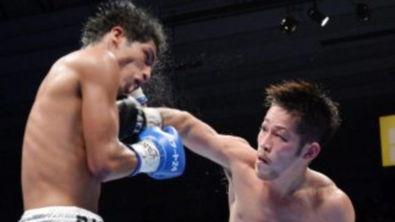 Ryo Miyazaki golpea a Jesús Silvestre en su triunfo en Japón.