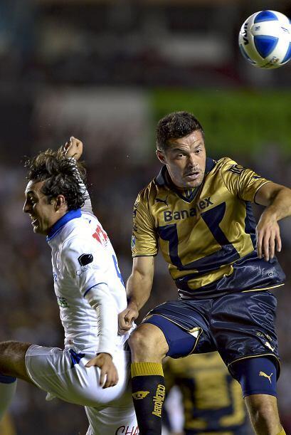 El delantero paraguayo trató de ser factor en el encuentro pero no le al...