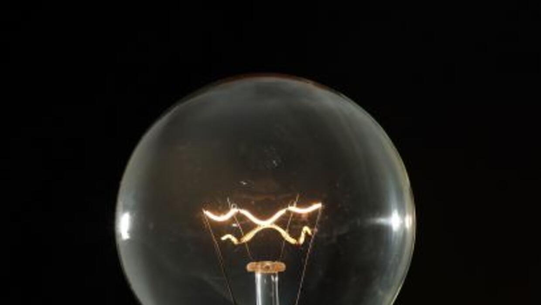 Reducen tarifa de la luz en Puerto Rico
