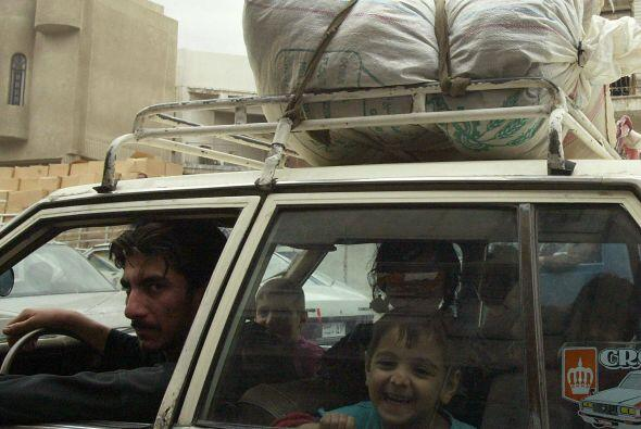 Alrededor 1.75 millones de iraquíes están refugiados en países vecinos o...