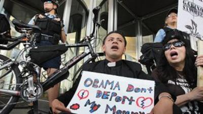 Organizaciones que defienden los derechos de los inmigrantes le piden al...