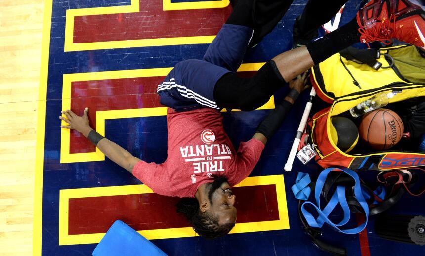 Los Cavaliers d LeBron buscarán barrer a los Hawks de Atlanta quienes es...