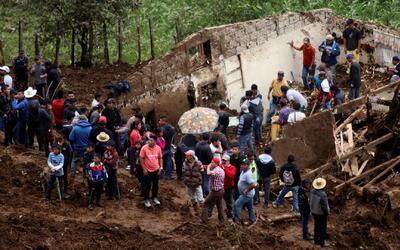 Al menos 12 fallecidos deja un deslave en el municipio de Huehuetenango...