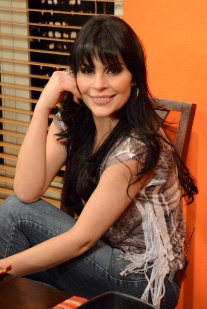 Y una bella cantante, pues recuerden que formó parte del equipo de Glori...