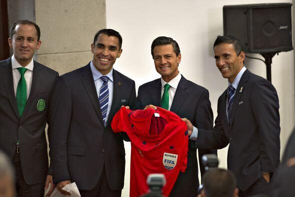 No sólo asistieron futbolistas, también acudieron los árbitros: Marco Ro...