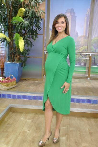 A solo 5 semanas de que nazca su bebé, Satcha disfruta de su trabajo y e...