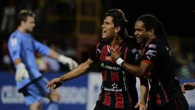 El equipo rojinegro derrotó en la ida de las semifinales al Saprissa por...