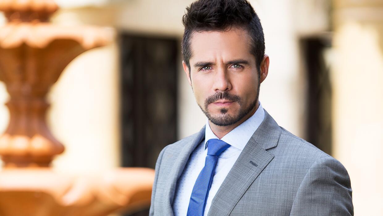 José Ron es Pedro Ángeles