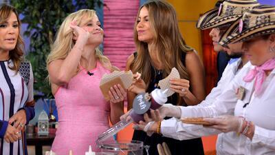 ¡Rompiendo la dieta! Sofía Vergara y Reese Witherspoon saborearon obleas