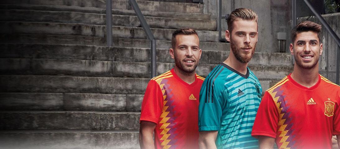 Adidas presentó los nuevos uniformes para el Mundial de Rusia 2018 footb...