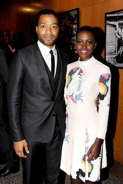 """Lupita y Chiwetel Ejiofor en el estreno de """"12 Years a Slave""""."""