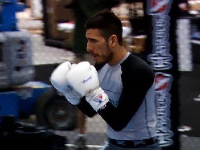 """""""KenFlo"""", de 35 años, posee cinturón negro en Jiu-Jitsu brasileño y su t..."""