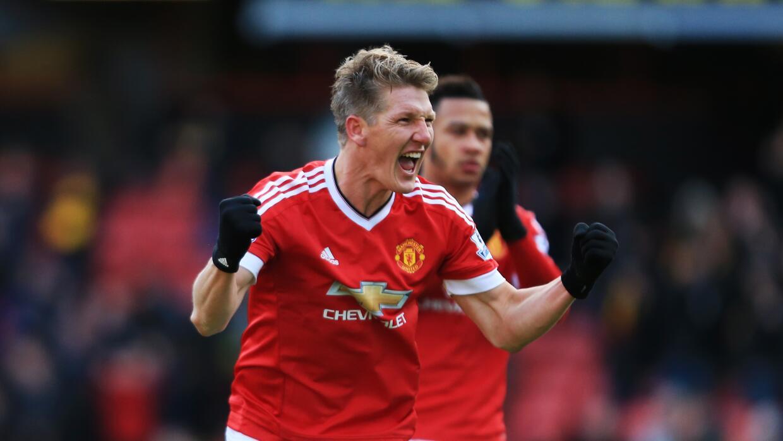 Bastian Schweinsteiger anotó en el triunfo de Manchester United.