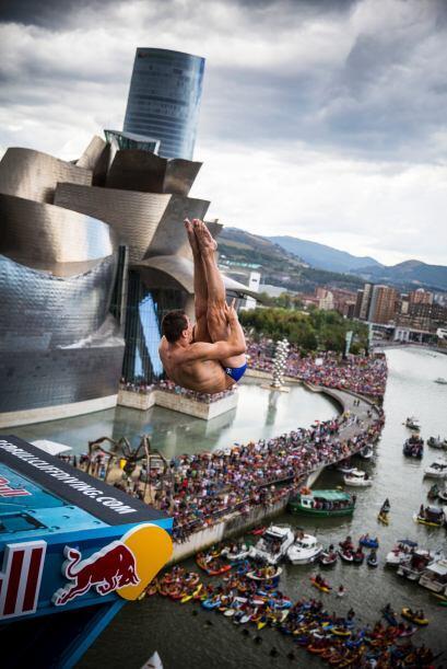 Te traemos las mejores imágenes del Red Bull Cliff Diving Bilbao,...