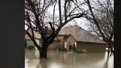 Entre 15 y 20 casas debieron ser evacuadas en Rockwall.