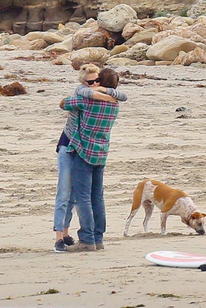 Pero a ellos no les importa. Siguieron abrazaditos. Mira aquí los videos...