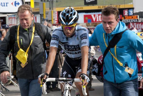 Por su parte, Alberto Contador se vio triste pues ya no hay nada qué hac...