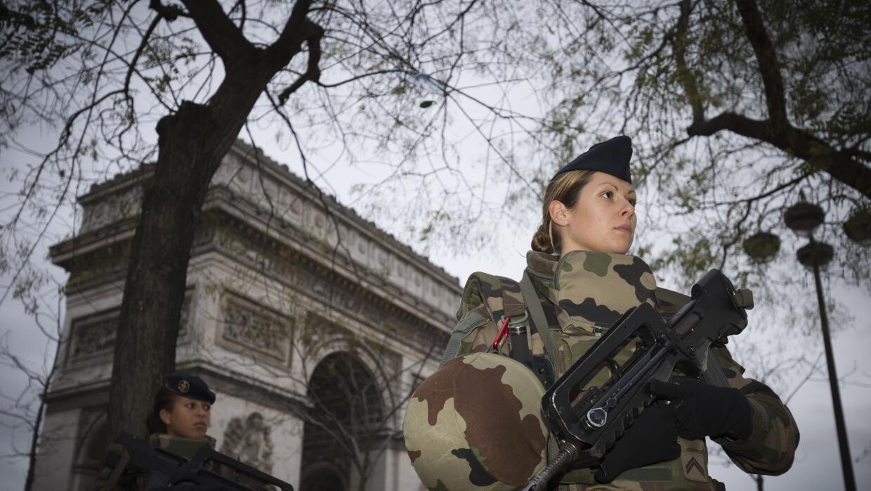 Enrique Acevedo: La vida en rojo GettyImages-Paris-Vigipirates-Arc.jpg