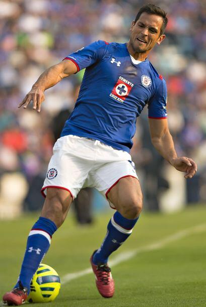 En este Clausura 2015, Cruz Azul incorporó a Roque Santa Cruz par...