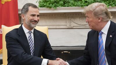 Donald Trump promete viajar a España al recibir al rey Felipe VI en la Casa Blanca (fotos)