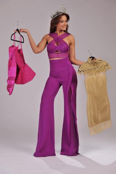 Como podrán darse cuenta, al parecer, los vestidos son su prenda...