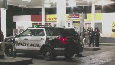 Altercado entre dos hombres en una estación de gasolina de Houston termina en tiroteo