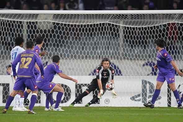 La Fiorentina aguató bien y se metió en octavos de final junto con el de...