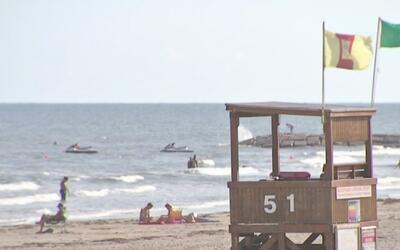 Galveston espera, por lo menos, 15 pulgadas de lluvia que podría causar...