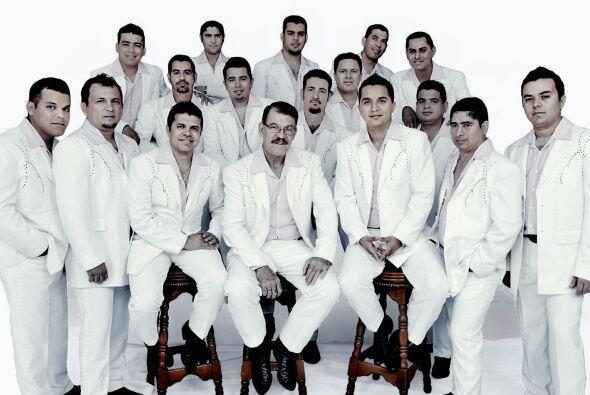 La Arrolladora Banda El Limón tuvo sus inicios en los 60, pero la banda,...