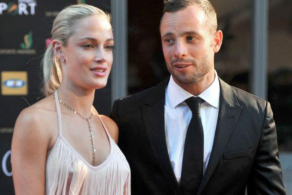 El 14 de febrero de 2003, Pistorius habría matado a su novia Reeva Steen...