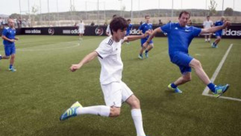 Enzo, hijo de 'Zizou', juega en la cantera del Real Madrid, y se hizo ex...