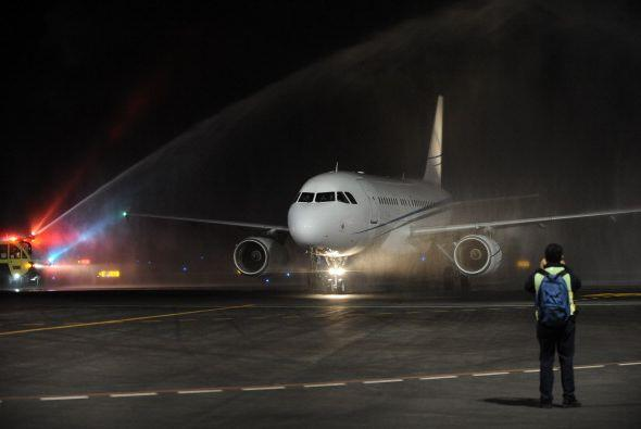 A las 2 de la madrugada, hora de Ecuador, el avión procedente de Catar a...