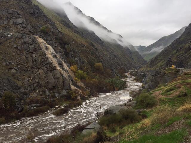 Deslaves tras lluvias en Kern